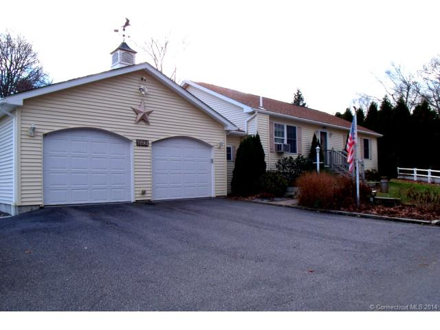 663 Shennecossett Rd, Groton, CT 06340