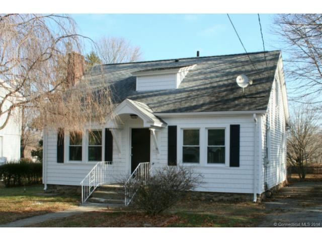 15 Pine St, Waterford, CT 06385