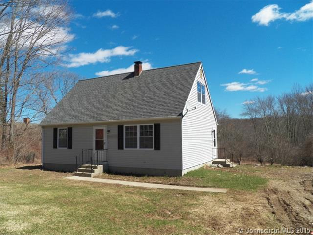 332 Green Hollow Rd, Moosup, CT 06354