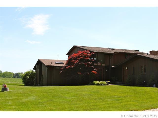 Real Estate for Sale, ListingId: 31920522, Thompson,CT06277