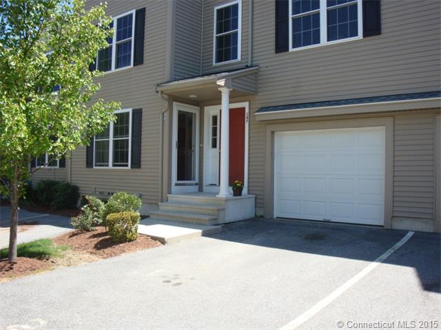 91 Perry St # 248, Putnam, CT 06260