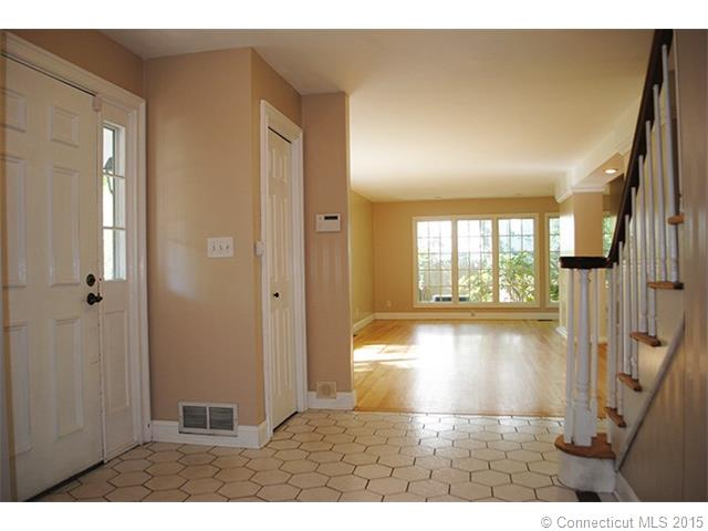 Rental Homes for Rent, ListingId:34187708, location: 29 Trumbull Rd Waterford 06385