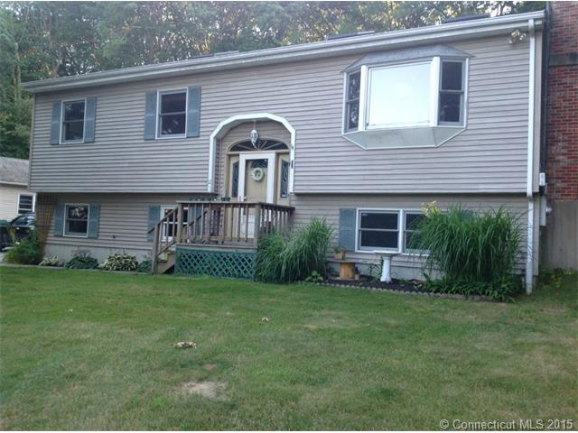 12 Mullen Hill Rd, Waterford, CT 06385