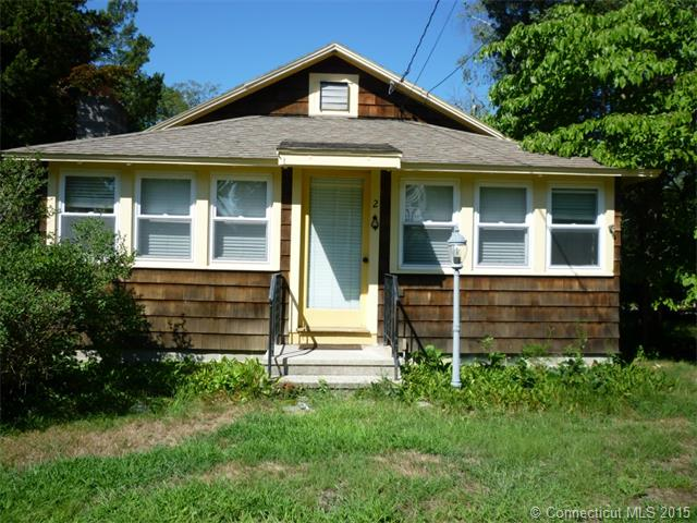 2 N Pine St, Niantic, CT 06357
