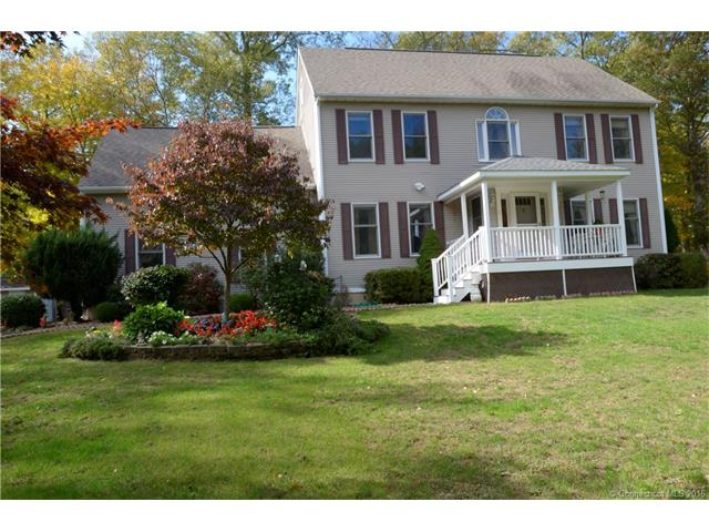 4 Cranberry Ln, East Lyme, CT 06333