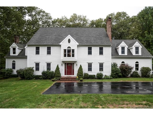 14 Willow Ln, East Lyme, CT 06333