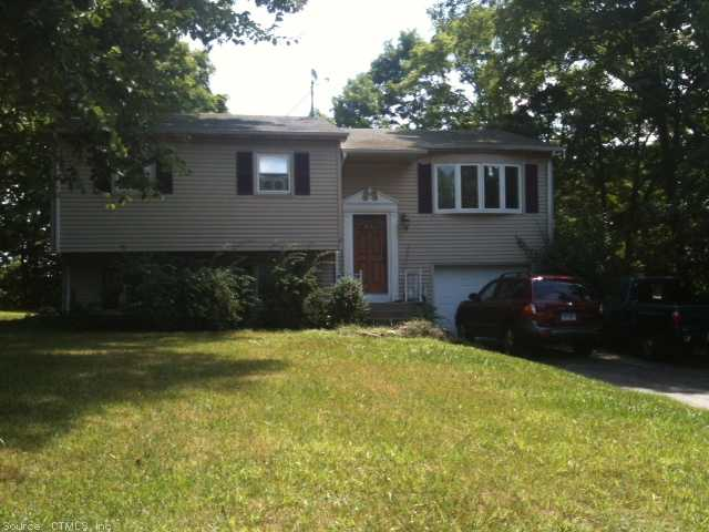6 Overlook Dr, Preston, CT 06365