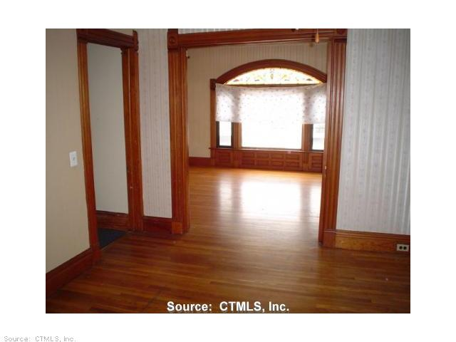 Rental Homes for Rent, ListingId:23129784, location: 97 CLIFF ST-UNIT 2 Norwich 06360