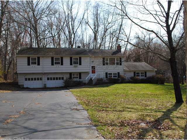 803 Long Cove Rd, Ledyard, CT 06335