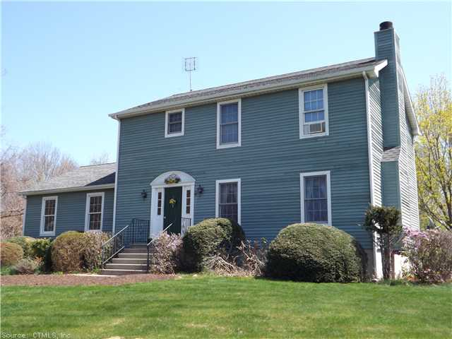 10 Deer Ln, Ledyard, CT 06339