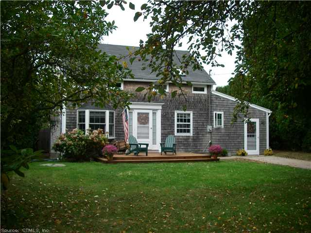 14 Ridge Rd, Groton, CT 06340