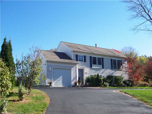 Rental Homes for Rent, ListingId:27409290, location: 102 NOANK LEDYARD RD Mystic 06355