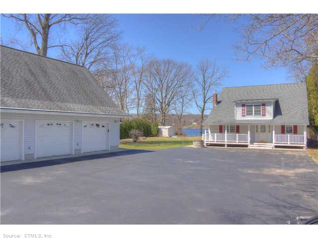 13 River Dr, Gales Ferry, CT 06335