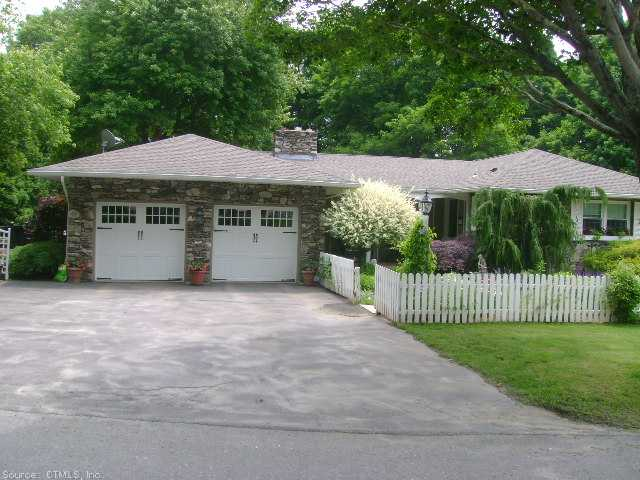 Real Estate for Sale, ListingId: 28667819, Thompson, CT  06277
