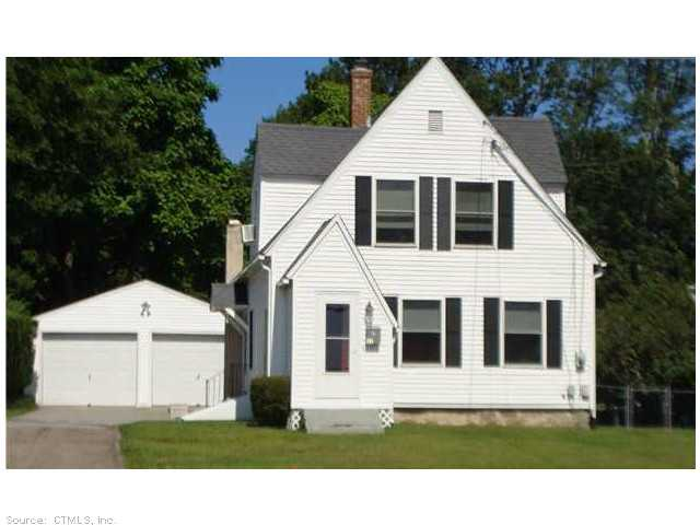 11 Chester St, New London, CT 06320