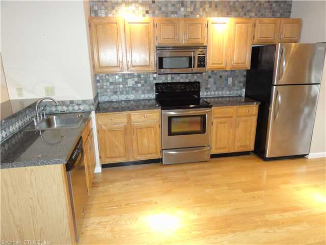 Rental Homes for Rent, ListingId:29311123, location: 69 COBBLESTONE DR Groton 06340
