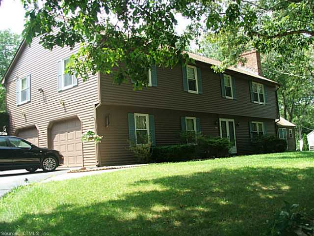 88 Asher Ave, Pawcatuck, CT 06379