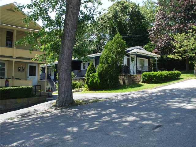 40 Eastern Ave, New London, CT 06320