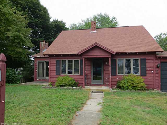 6 East St, Waterford, CT 06385