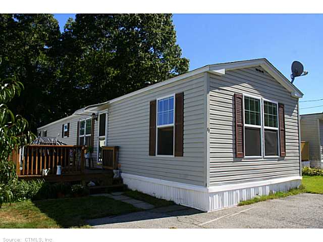 11 Mcculley Pl, Uncasville, CT 06382