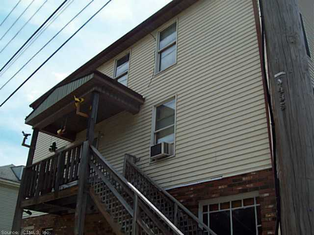 Rental Homes for Rent, ListingId:30682940, location: 582-4 North Main Street Norwich 06360