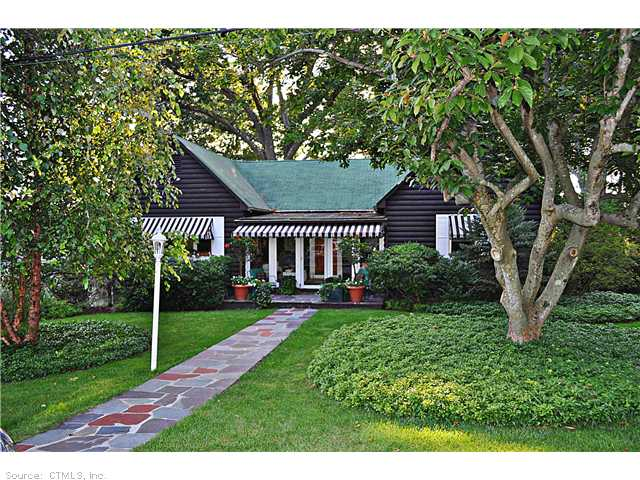 18 Candlewood Acres Rd, Brookfield, CT 06804