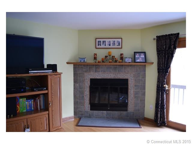 Rental Homes for Rent, ListingId:31949329, location: 123 Fox Run Ct Newington 06111