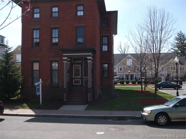 31 Alden St # B, Hartford, CT 06114
