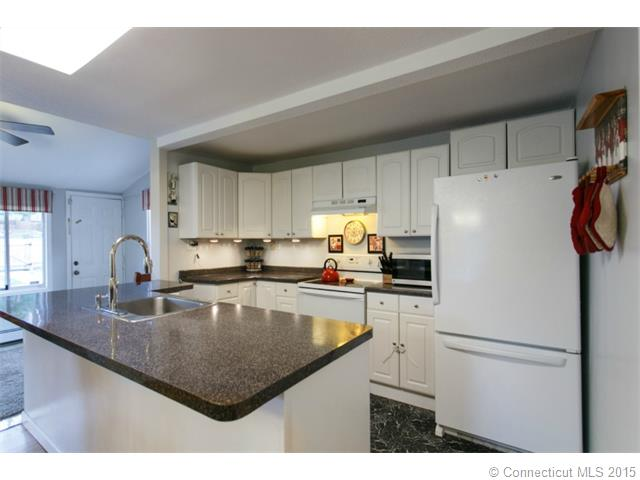 100 Coles Rd, Cromwell, CT 06416