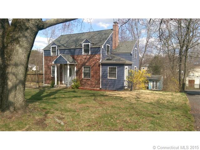 374 Pine St, Middletown, CT 06457