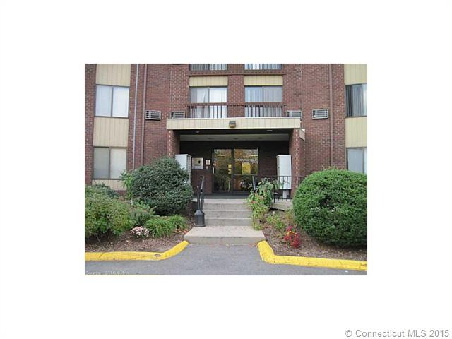 1304 Cromwell Hills Dr, Cromwell, CT 06416