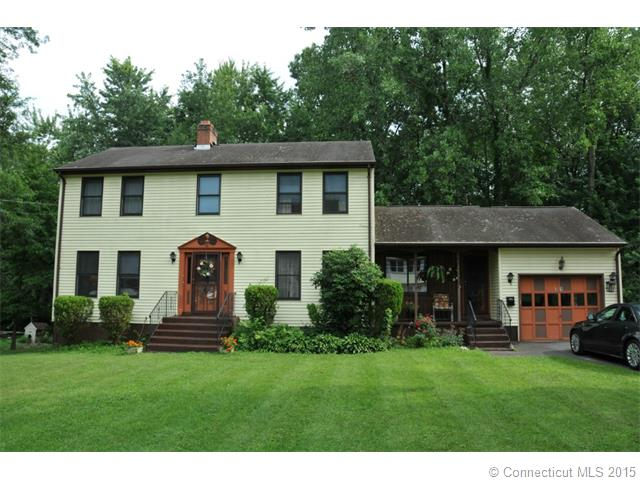 31 Gilbert Ave, Bloomfield, CT 06002