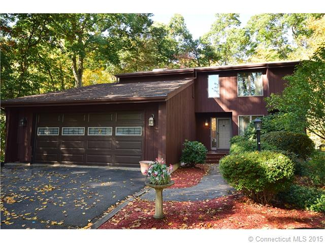 185 Wild Oak Dr, Southington, CT 06489