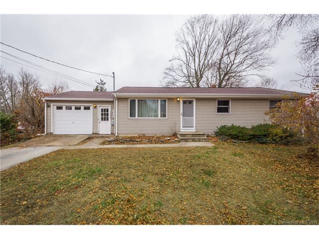 8 Evergreen Ln, Oakdale, CT 06370