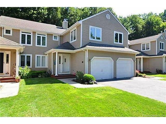 266 Castlewood Dr, Bloomfield, CT 06002