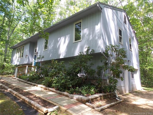 52 Candide Ln, Storrs Mansfield, CT 06268