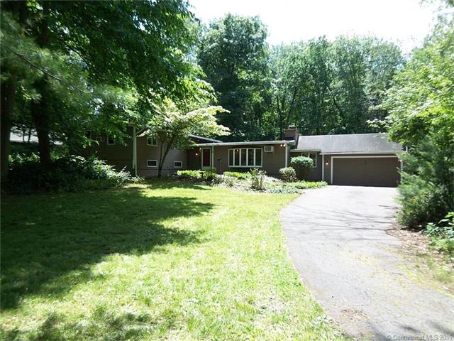Photo of 61 Hickory Hill Rd  Simsbury  CT