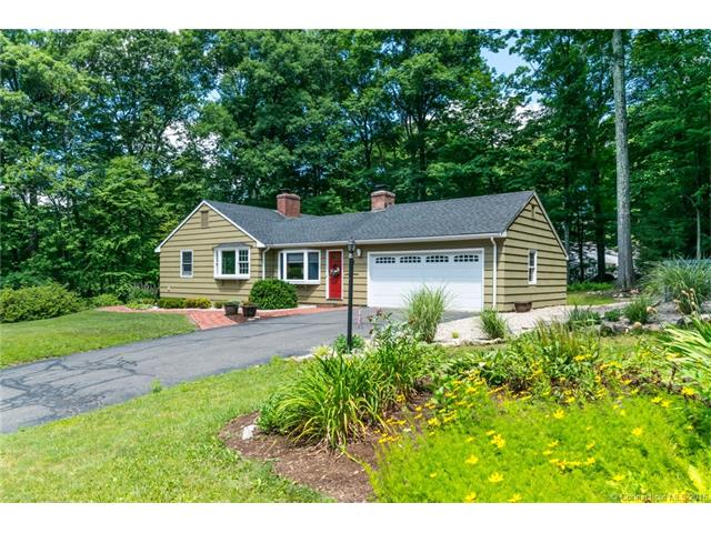 Photo of 4 Candlewood Ln  Avon  CT