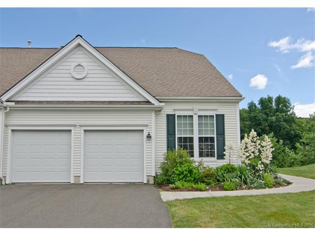 13 Meadowview Ct, Canton, CT 06019