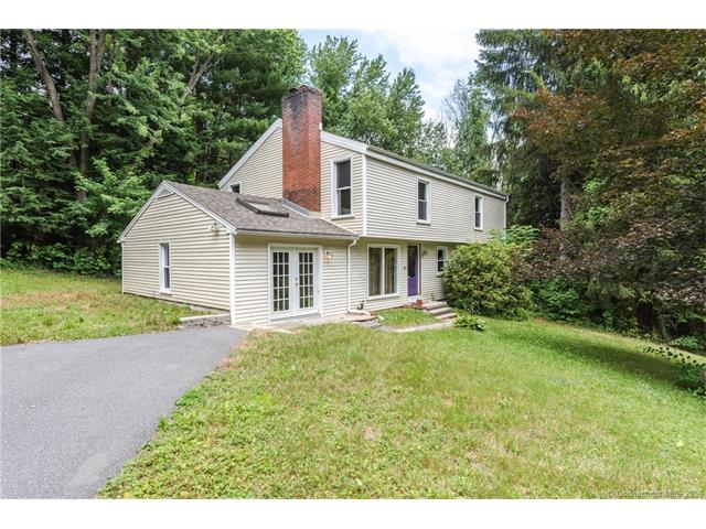 18 Highview Dr, Harwinton, CT 06791