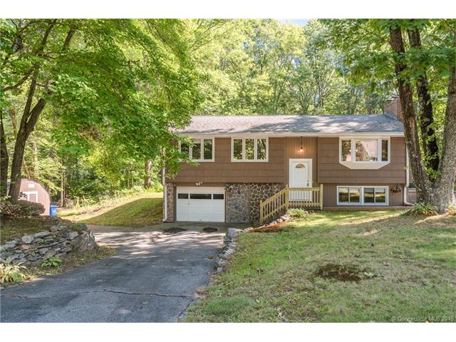45 Willow Dr, Hebron, CT 06248