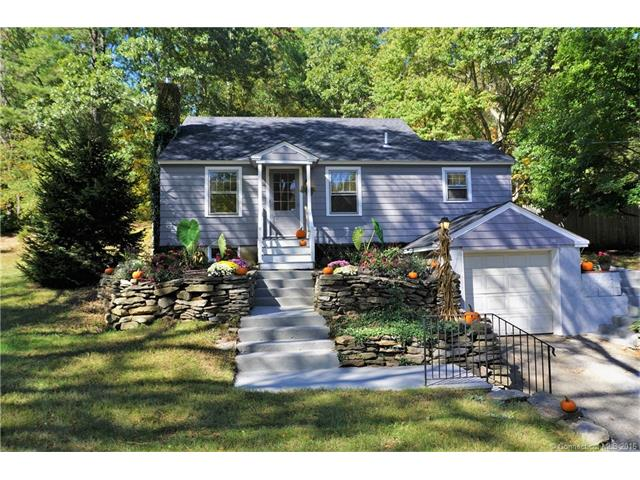 Photo of 305 Storrs Rd  Mansfield  CT
