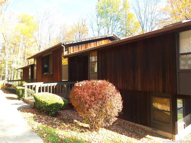 Photo of 2 Country Squire Dr  Cromwell  CT