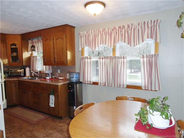 Ranch, Single Family - Plainville, CT (photo 3)