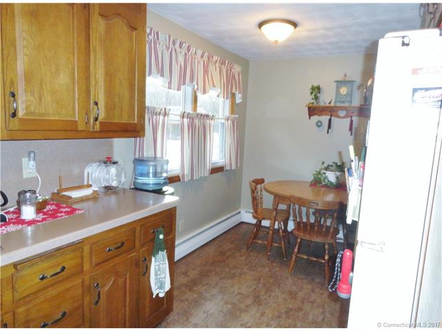 Ranch, Single Family - Plainville, CT (photo 4)
