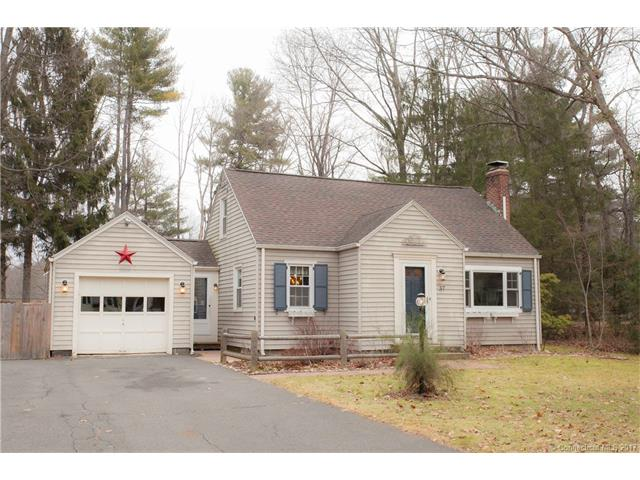 37 Chriswell Dr, Simsbury, CT 06070