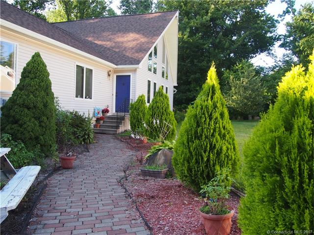 Contemporary,Ranch, Single Family - W Haven, CT (photo 1)