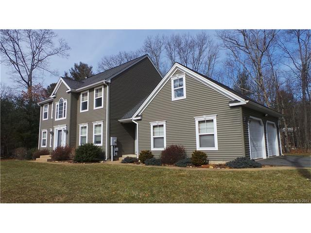 71 Homestead Dr, Storrs Mansfield, CT 06268