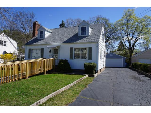35 Victoria Rd, Manchester, CT 06040