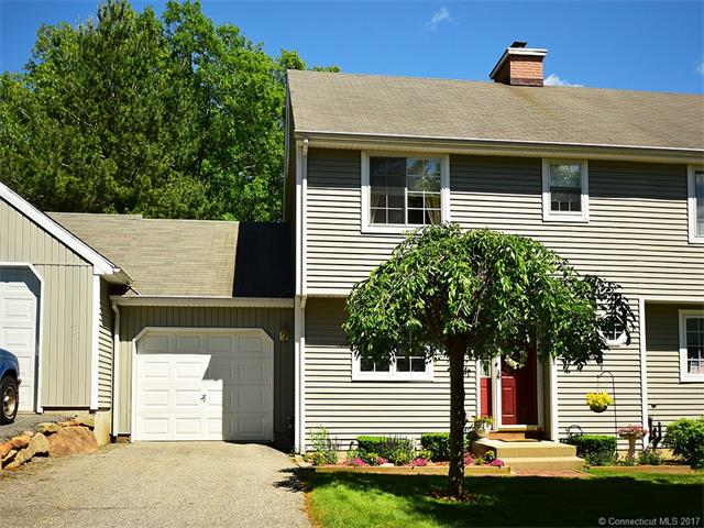 Photo of 25 Fort Griswold Ln  Mansfield  CT
